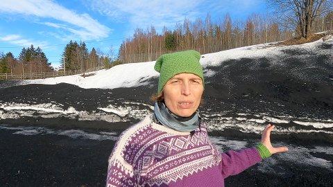 UTING: Karina Ødegård mener gummigranulat er en uting.