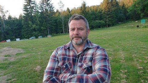 VIL PÅ TINGET: Snorre Rising Næss fra Harestua står på liste i fem valgdistrikter, og lover å sparke de etablerte partiene på leggen om han skulle få en stortingsplass.