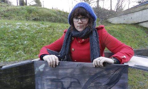 Bryter tabuer: Catharina Heide Amundsen sitter her i skammeboksen, eller «Box of Shame», som også er tittelen på dokumentaren.