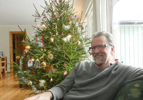 Blir pensjonist: Ved midnatt blir Bjørn Ystrøm pensjonist, men det betyr ikke at han pensjonerer pennen sin i avisas spalter. Nå blir han frilanser. foto: hanne eriksen