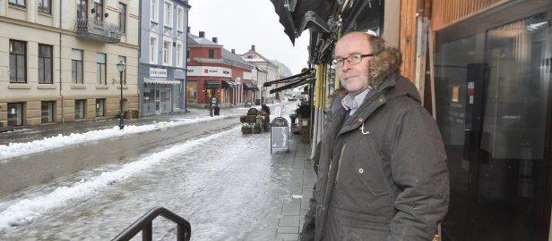 UNIKT: – Flere områder i Halden er unike i nasjonal sammenheng. Blant annet gågata og områdene rundt, sier spesialrådgiver Espen Sørås. Torsdag skal politikerne behandle forslaget til ny sentrumsplan.