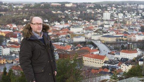 NYE HALDEN: Spesialrådgiver Espen Sørås har ledet arbeidet med planen. Planarbeidet startet i 2012. En plangruppe bestående av Eirik Milde (H, leder), Anne-Kari Holm (Sp – overtok etter Mona Johnsen, V, i mars 2014), Øivind Holt (MDG) og Svein Olaussen og Nils Sagstuen (begge Ap), støtter også forslaget til sentrumsplan
