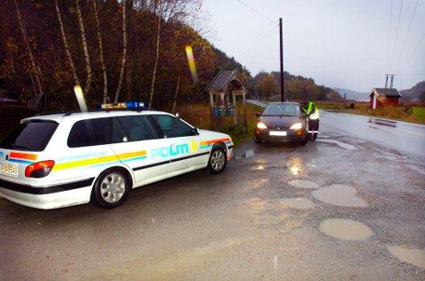 FARLIG KJØRING: UP-sjefen påpeker at det er rus, fart og manglende bruk av bilbelte som dreper flest i trafikken. Bildet er tatt i forbindelse med en UP-kontroll på  Fagerholt.