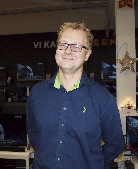 Frykter ikke: Georg Borgen forteller at Elkjøp har hatt positiv effekt av flyttingen til Høvleriet og frykter ikke konkurransen.