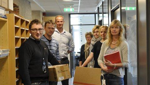 SAMLET PÅ TOPPEN: Fornøyde med nye kontorer. Fra venstre: Øyvind Grandahl, Arild Helgestad, Kenneth Johannessen, Mona Carlsen, Sissel Lund, Jannicke Staack og Ann Christin Due.