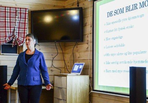 Fokus på mobbing: Kirsti Eng hadde foredrag om mobbing onsdag kveld for foreldre og ansatte ved Skogkanten barnehage.