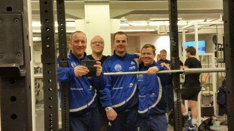 Lokale deltakere i regionsmesterskapet i styrkeløft. Fra venstre Thomas Puzicha, Terje Samuelsen, Frode Westby og Hans Erik Folkeseth.