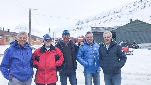 Haldensere klare for Svalbard Skimaraton. Fv: Anders Krosby, Trond Glomsrød, Jan Gunnar Lilledal, Thor Edquist og Knut Krosby.