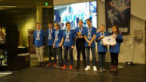 VINNERE: Halden-laget LEGOGeeks ble vinnere av robotkonkurransen i helgen.