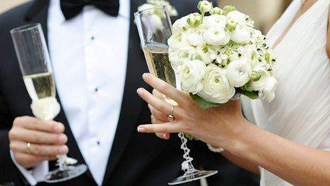 FÆRRE: 32 giftet seg borgerlig i 2018 etter at kommunen tok over. 39 giftet seg hos sorenskriveren i 2017.
