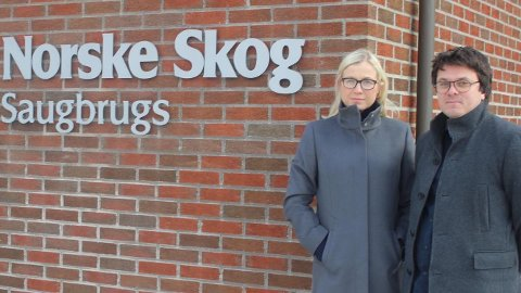 Linn Laupsa og Helge Bergseth Bangsmoen jobber ufortrødent videre for at Saugbrugs skal få full CO2-kompensasjon.