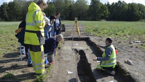 Arkeologene vil i dag sikre seg prøver av skipet, før hullet vil bli fylt igjen.