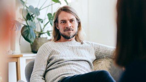 Psykolog Peder Kjøs tror folket kommer seg godt gjennom korona-krisen.
