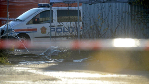 STIKKSKADER: Politiet har bekreftet at kvinnen ble drept av stikkskader. Hun ble funnet her, bak Jorkjend-bygget i Hamar.