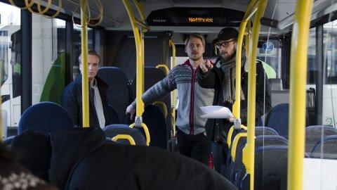 PÅ SETTET: Mathias Eek og medhjelpere på settet til «Dobbeltseter».