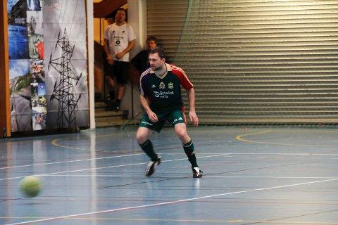 Håkon Opdal var tilbake på banen, for anledningen som utespiller.