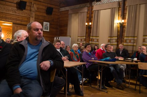 Folkemøte på Lofthus om ei annan sak i 2014.