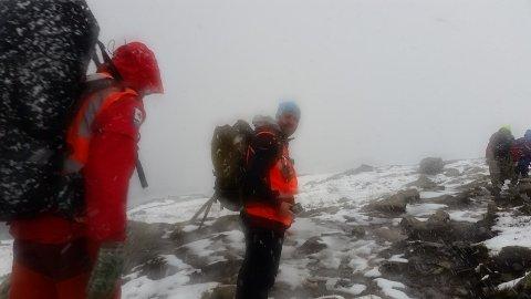 Det var dårlig vær med hagl og snø langs ruten inn til Trolltunga.