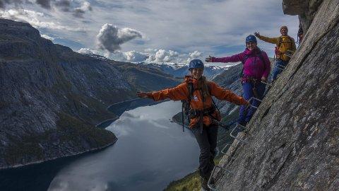 Guidane: Har vore med å laga traseen på den nye Via Ferrata-klatringa til Trolltunga, og Jostein Soldal lovar ein meir fotogen tur enn før.