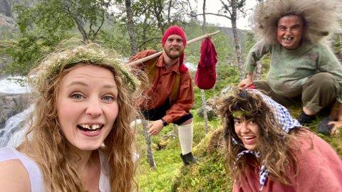GLER SEG: Kompaniet, beståande av Lina Taule Fjørtoft, Thomas B. Brandt, Magdalena Kuna og Stine Revheim Svellingen gler seg til å by på ei annleis teateroppleving i skog og mark.