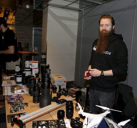 Foto: Bjørn Frafjord fra Stavanger Foto stilte ut utstyr.