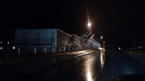 STILAS I HARDT VÆR: Her på Moksheim på Fastlands-Karmøy har vinden tatt fatt.
