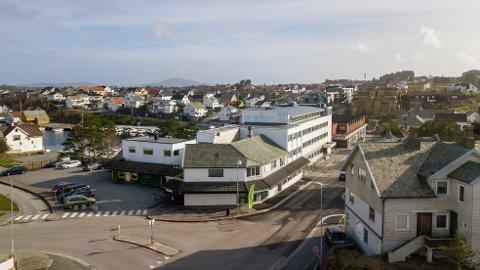 Det er hjørneeiendommen Hovedagata 52 kommunen nå har sikret seg.
