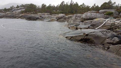RØR: Torleif Ritland anslår at slangen er minst 50 meter lang.