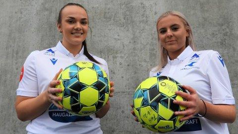 KVITE OG BLÅ: Mathilde Rossebø Kalstad (t.v.) fra Haugar og Telma Bjelland Kjellesvik   fra Djerv 1919 spiller trolig i FKH-drakt neste år.
