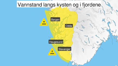 HØY VANNSTAND: Vannstanden er estimert til 5–10 centimeter over det som er oppgitt i tidevannstabellene. Toppen er ventet fredag formiddag.