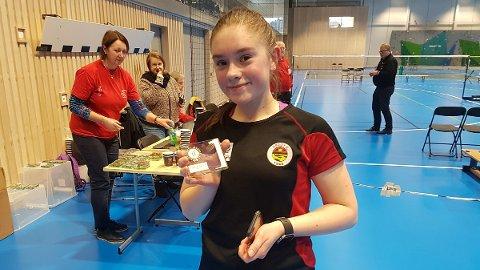 Live Hov Grønbech er en av mange talentfulle unge spillere i Herøy IL Badminton.