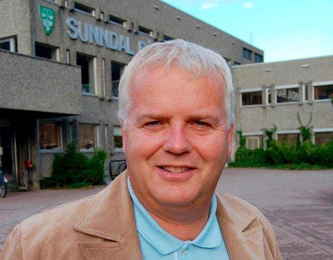 Stig Rune Andreassen er utflyttet sandnessjøværing og fylkespolitiker for Frp i Møre og Romsdal.