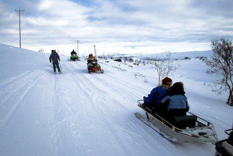 PRØVEORDNING: Det ligger an til at prøveprosjektet med snøskuterløyper i enkelte kommuner, deriblant Hattfjelldal, blir forlenget. (Illustrasjonsfoto: Yngve Olsen Sæbbe)