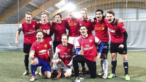 Vinnere: Balkan FC med Daniel Anfindsen (17), Henrik Krokstrand Henriksen (17), Andreas Otting (17), Sondre Bjertnes Hansen, (18), Praveen Jeganathan (20), Vebjørn Olsen (19), Jonas Sjøvoll, (19), Henning Karlsen(18) og Jørgen Hågensen (17) vant.alle foto: stig t. skogsholm