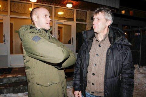 Samarbeid om fotballtilbud i Mosjøen. Espen Isaksen fra MIL Fotball og Ulf Langmo (t.h.) fra vefsn Folkehøgskole samarbeider om et nytt fotballtilbud.