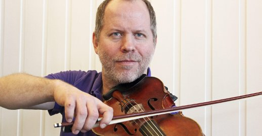 Bergmund Waal Skaslien er årets festivalkomponist for Lytt på nytt. Foto: Lena Erikke Hatland