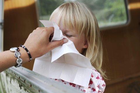 Syk: Influensaen er på vei, selv om helgelendingene så langt har vært forskånet. Foto: Frank May/NTB Scanpix