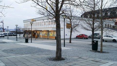LEGGES NED: Fra årsskiftet er det slutt for Prix-butikken i sentrum av Sandnessjøen.