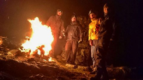 VARDEBRENNING: Sist fredag var det vardebrenning over 100 steder i landet, blant annet på Hjelmen på Vestlandet.