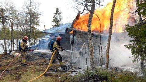 Tall fra Finans Norge viser at det gjennomsnittlig brenner i rundt 1000 fritidsboliger i Norge per år. (Foto: Jon Olav Andersen)