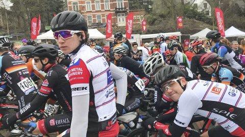 FØR START: Daniel Årnes klar for Flandern Rundt junior, som er årets andre verdenscupritt for juniorene. Foto: Mirela Smajkic Årnes