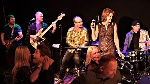 Tributebandet We Want Stones holdt konsert på Gilles i Mosjøen lørdag.