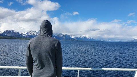 FESTIVALMINNER: Tromsømannen på vei hjem med ferge fra årets Skarvenfestival på Skjervøy, som han og kameratene trolig sent vil glemme.