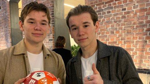 SUKSESS: Marcus og Martinus Gunnarsen har ingen planer om å flytte hjemmefra med det første. Foto: Nettavisen