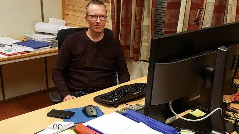 MANGE SOM BLE UROLIGE: Trond Henriksen, rådmann i Båtsfjord, sier mange ble bekymret over vannsituasjonen i kommunen.