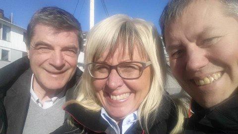 - Dette er et tver igjennom Akkarfjord-prosjekt, sier ordfører Alf E Jakobsen sammen med Salmars samfunnskontakt Irene Nordahl og regionleder for Finnmark Ronald Wærnes.