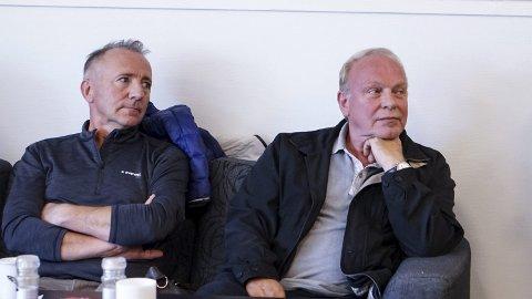 GIR ROS: Styreleder Odd Reidar Øie gir Ola Finseth (til høyre), tidligere daglig leder i Finnmarken, mye av æren for at emisjonen har glidd godt.