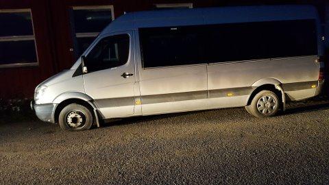 HÆRVERK: Slik så bussen til Leif Hansen ut søndag kveld.