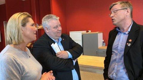 Steile fronter: Sylvi Listhaug, Bård Hoksrud og Robert Jensen brakte sammen i et møte på rådhuset i Vardø onsdag.