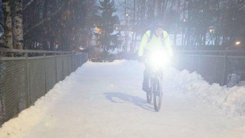 Mørke dager, hvite omgivelser og blinkende lys kan være en ubehagelig kombinasjon. Men kan det også være farlig? Foto: Magnus Blaker (Mediehuset Nettavisen)